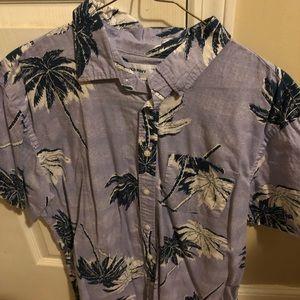 Old navy Hawaiian shirt